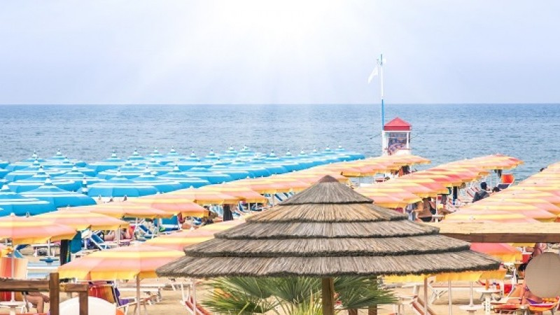 Leto pri mori v Rimini