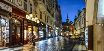 Strašidelná, hriešna Praha a pivné kúpele
