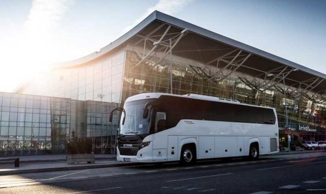 Autobus Scania biela