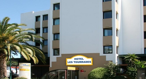 Premiere Classe Arles  U0026 Hotel Les Tourrades