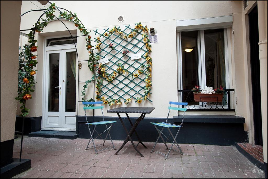 Hotel Aviatic  Rue Brezin