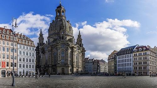 https://cestovnakancelariadaka.sk/files/product/frauenkirche-1252472_960_720.jpg